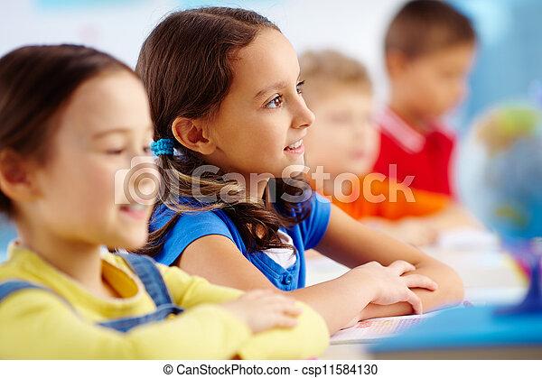 estudante primário - csp11584130