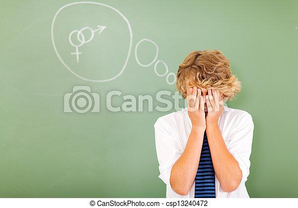 Estudiante tímido adolescente fantaseando sobre sexo - csp13240472