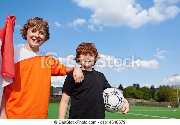 estudiantes, campo, futbol, dos, joven - csp14546579