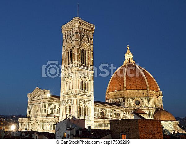 Maravillosa catedral iluminada de Florencia por la noche, Italia, Europa - csp17533299