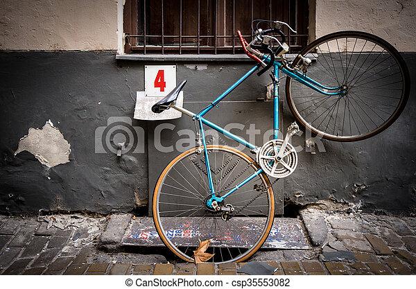 europe., antigas, rua, estacionado, bicicleta, budapest - csp35553082