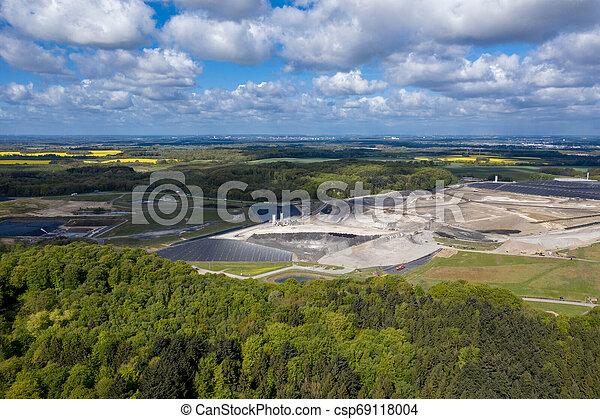 europe's, landfill, deutschland, größten, giftig, nord, verschwendung, ihlenberg - csp69118004
