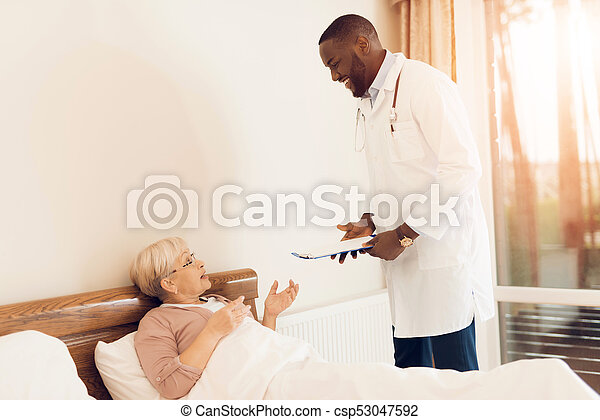 examina, amamentação, doutor, idoso, paciente, home. - csp53047592