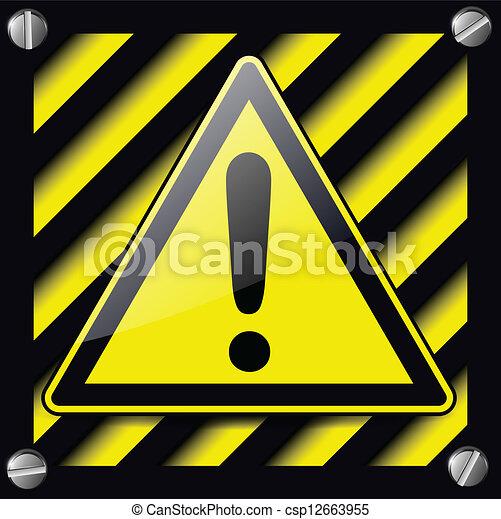 Exclamación signo de peligro - csp12663955