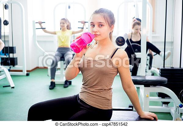 exercícios, menina, ginásio - csp47851542