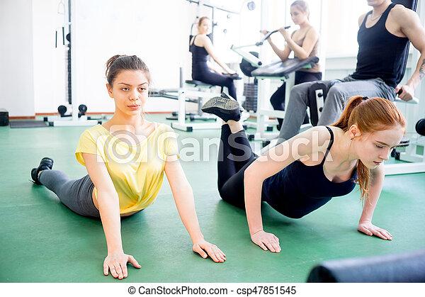 exercícios, menina, ginásio - csp47851545