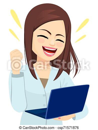 Una exitosa mujer de negocios con una laptop - csp71571876