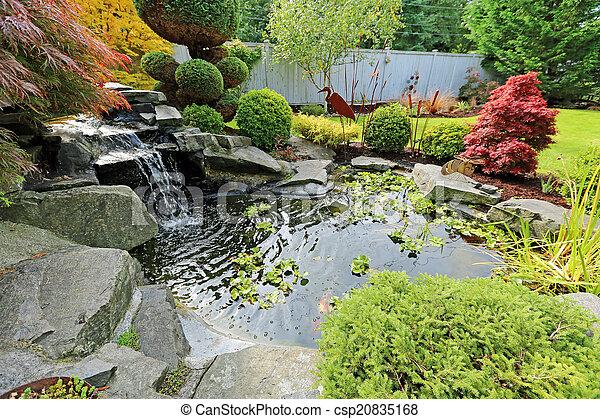 Exotique Jardin Maison Etang Buissons Exotique Taille Chute