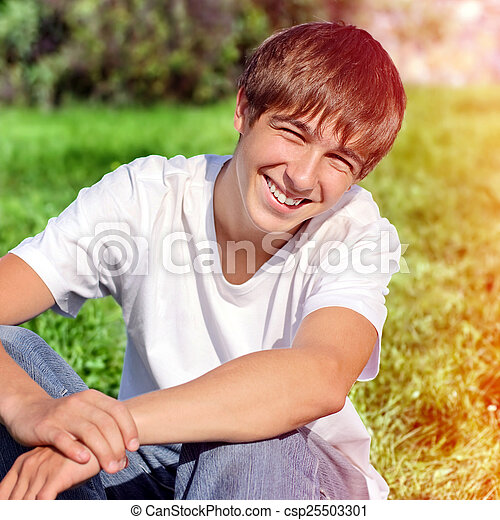 extérieur, adolescent, heureux - csp25503301