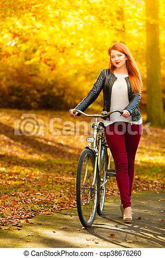 extérieur, beauté, délassant, parc, vélo, automne, girl - csp38676260