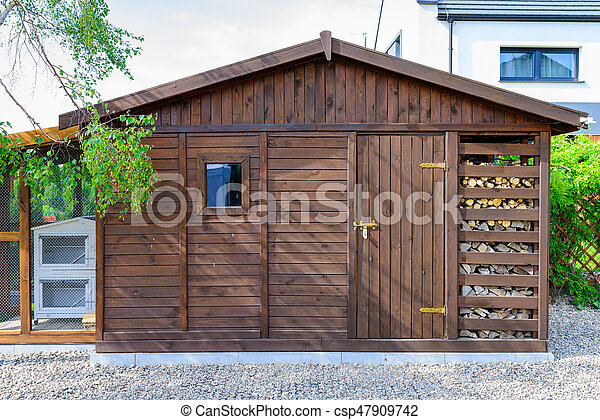 Exterior cobertizo jard n primavera woodshed foto de for Cobertizo exterior