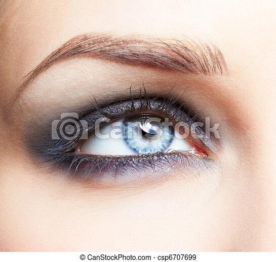 eye zone make up - csp6707699