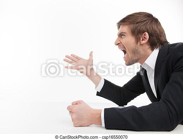 fâché, isolé, jeune, cris, quoique, businessman., homme affaires, blanc, vue, faire gestes, agressif, côté - csp16550070