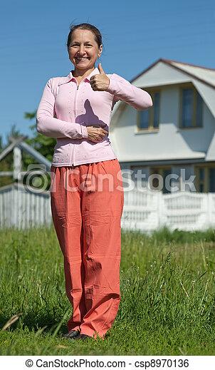 färsk, främre del, kvinna, hem, lycklig - csp8970136