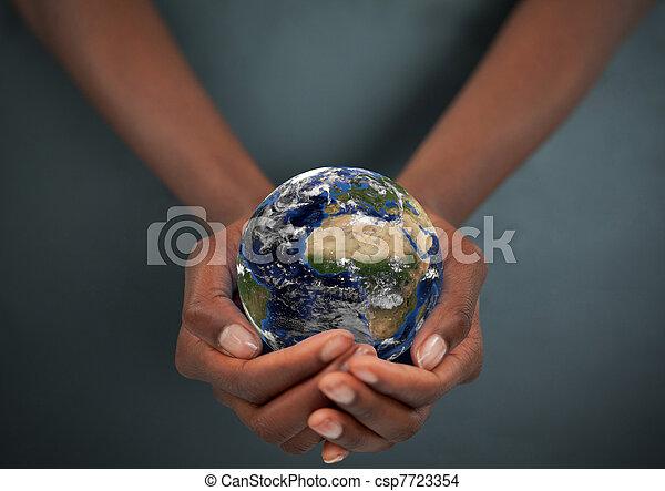 féminin, mains, tenue, la terre - csp7723354