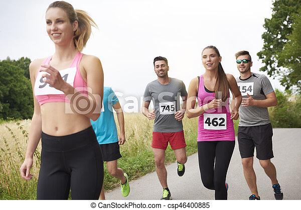 führen, frau, marathon - csp46400885