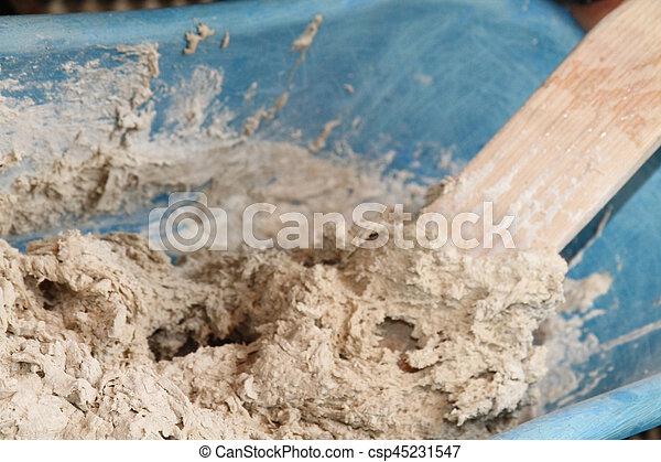 Haciendo pastel de pan casero - csp45231547