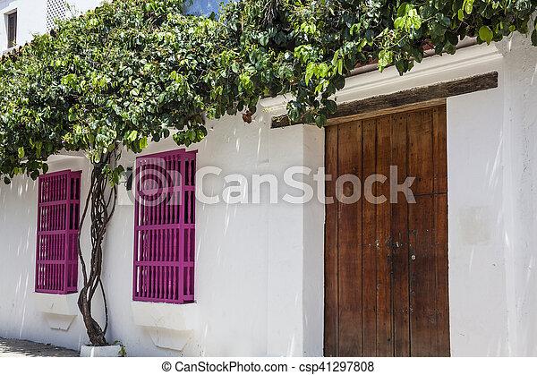 Fachadas De Casas Coloniales Presentamos Una Casa De Estilo