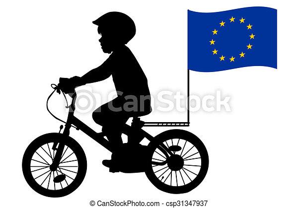 Ein kind fährt mit der flagge der europäischen union fahrrad