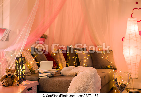 Fairy Lights In Teen Bedroom   Csp33271157