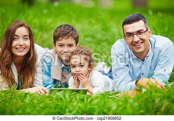 família, lazer - csp21956652