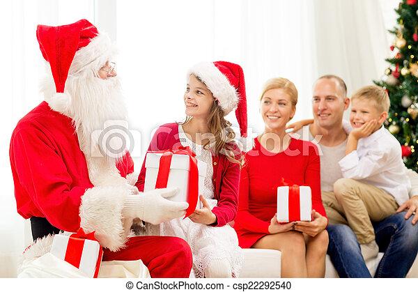 famiglia, claus, regali, santa, casa, sorridente - csp22292540