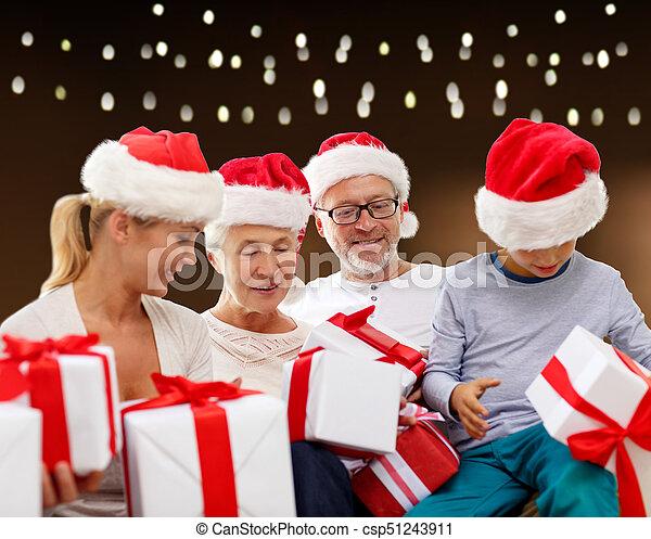 famille, chapeaux, dons, santa, noël, heureux - csp51243911