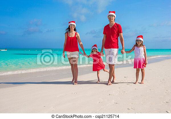 famille, chapeaux, quatre, santa, plage, rouges, heureux - csp21125714