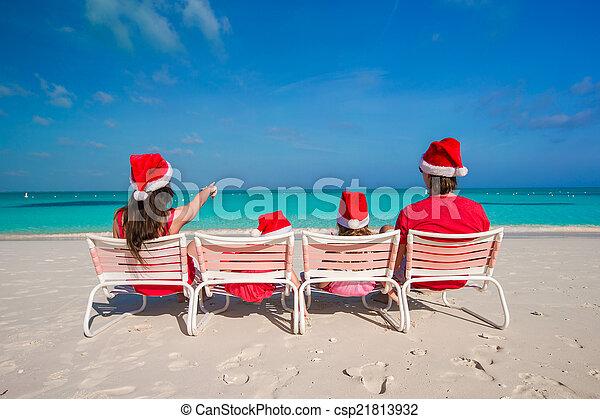 famille, chapeaux, quatre, santa, plage, rouges, heureux - csp21813932