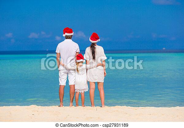 famille, chapeaux, trois, santa, plage, heureux - csp27931189