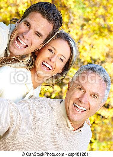 famille, heureux - csp4812811