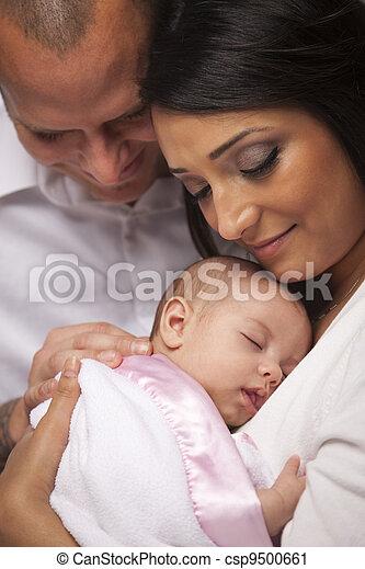 famille, jeune, nouveau né, race mélangée, bébé - csp9500661