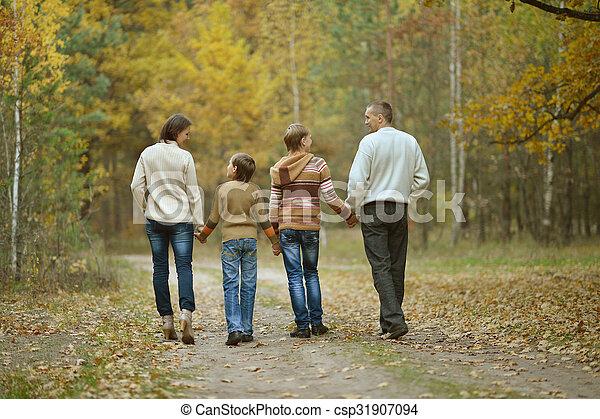 famille, quatre - csp31907094