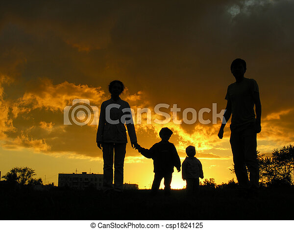 family of four sunset 3 - csp1824125