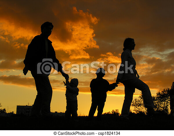 family of four sunset 3 - csp1824134