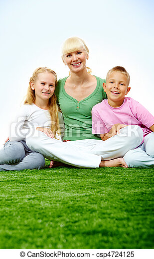 Family on grass - csp4724125
