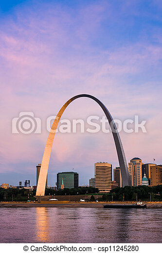 Famous architectural landmark The Arch in St. Louis. - csp11245280