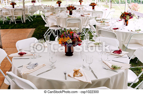 Fancy Wedding Table Decor Wedding Table Setup With White Linens