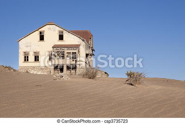 fantasma, casa - csp3735723