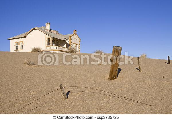 fantasma, casa - csp3735725