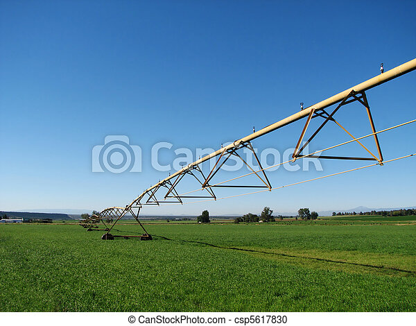 farm irrigation system - csp5617830
