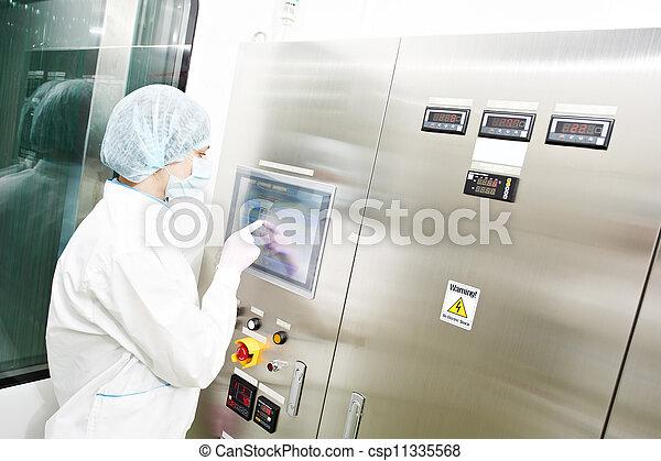 farmaceutisk, arbejder, fabrik - csp11335568