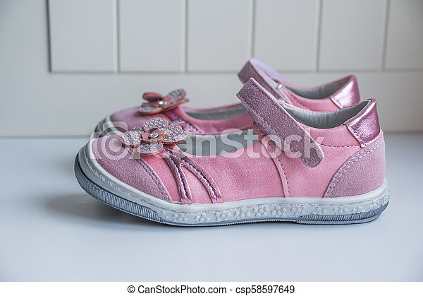 Fashion baby pink sandals with pink