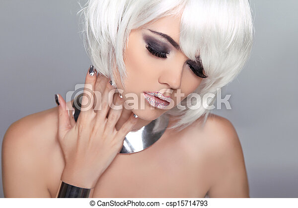 Fashion Beauty Blond Girl. Woman Portrait with White Short Hair. Hairstyle. Make up. Vogue Style. - csp15714793