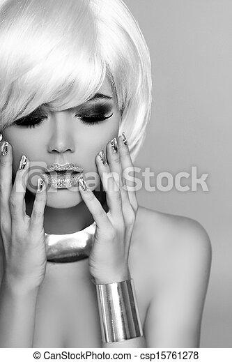 Fashion Blond Girl. Beauty Portrait Woman. White Short Hair. Black and White Photo.  Fringe. Vogue Style. - csp15761278