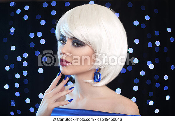 Fashion Bob Blond Girl. Beauty makeup Portrait Woman. White Short Hair. Gems jewelry earrings. Face Close up. Hairstyle. Fringe. Vogue Style. - csp49450846