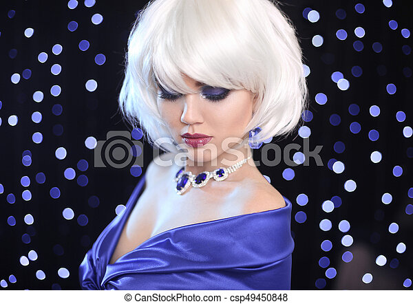 Fashion Bob Blond Girl. White Short Hair. Beauty makeup Portrait Woman. Gems jewelry pendant. Face Close up. Hairstyle. Fringe. Vogue Style. - csp49450848