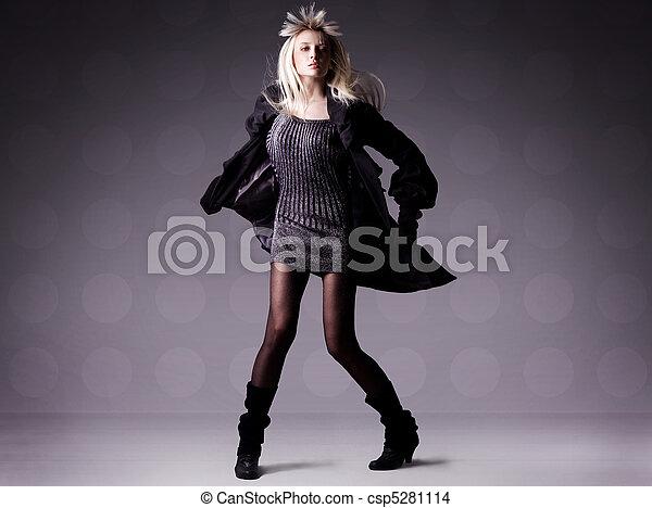 Fashion photo of a beautiful woman - csp5281114