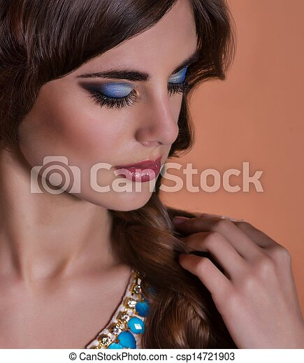 Fashion woman with jewelry - csp14721903