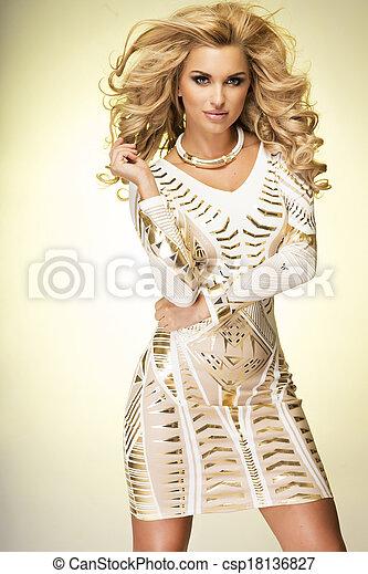 Fashionable blonde lady posing. - csp18136827